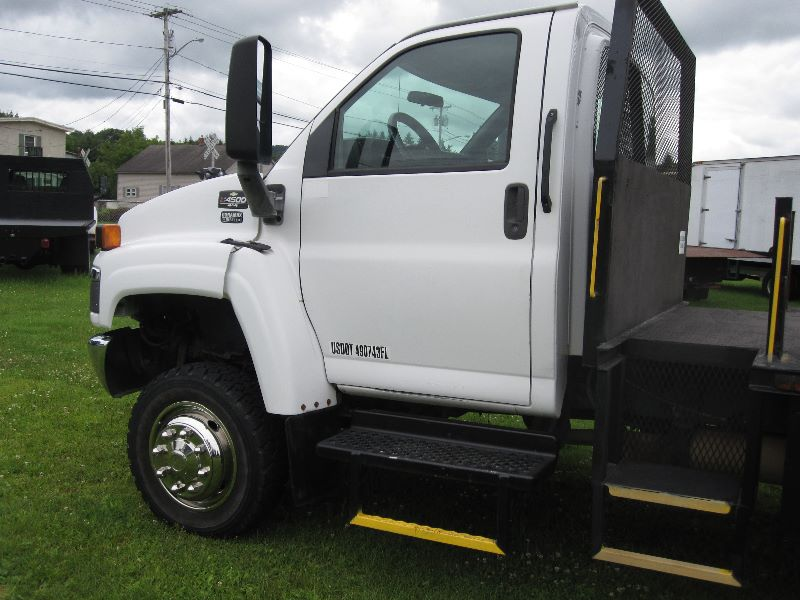 Sell used 2005 CHEVY KODIAK 4WD C4500 4X4 REG CAB W/ 12 FT ...