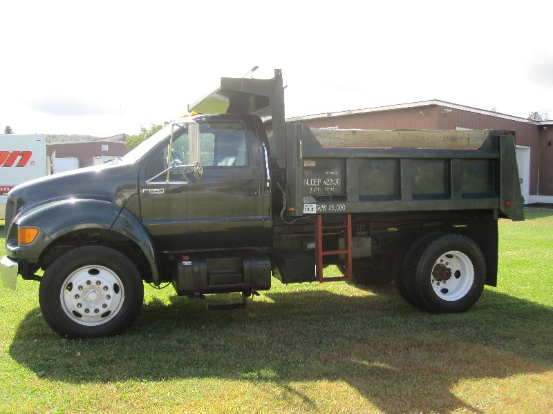 2002 FORD F-650 XLT REGULAR CAB W/ MASON STYLE DUMP BOX