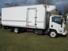 2015 ISUZU NRR REG CAB OVER W/ 20 FT REEFER BOX & ALUMINUM LIFT GATE TURBO DIESEL MOTOR